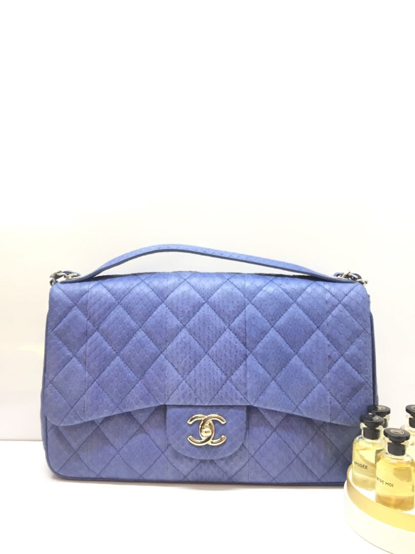 15f428ad6ed0 Chanel, Luxury, Bags & Wallets, Handbags on Carousell