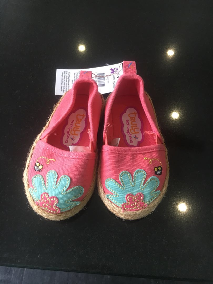 9188052b56cd Girl baby shoes