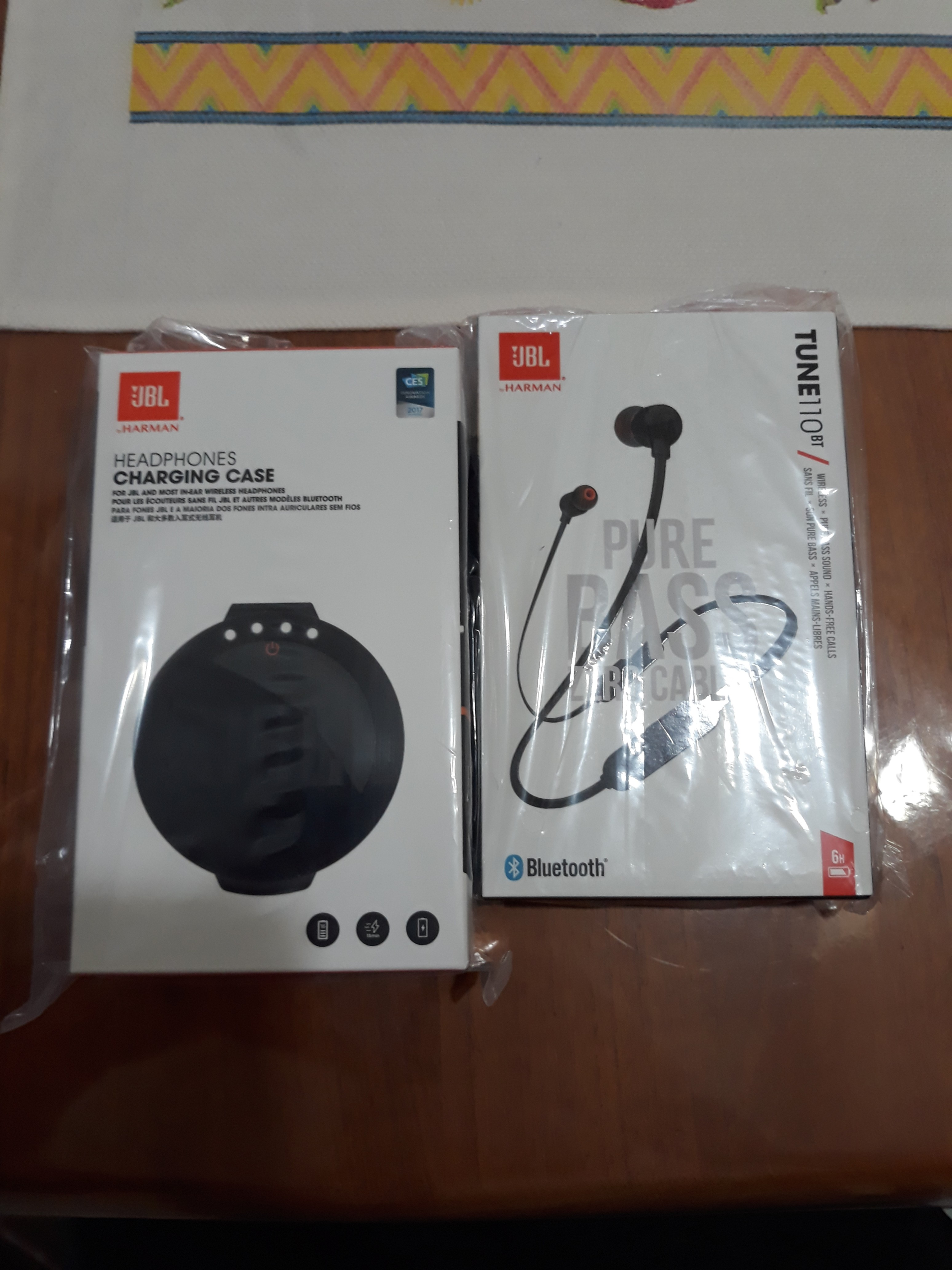 JBL T110BT with CHARGING CASE