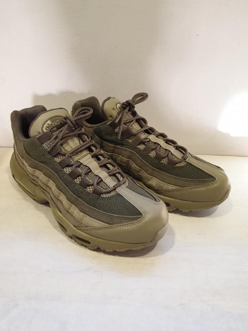 54fdb83f37 Nike Air Max 95 Premium Olive, Men's Fashion, Footwear, Sneakers on ...