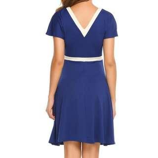 🚚 👗 Vintage elegant dress with V neck front and back, beautiful marine blue