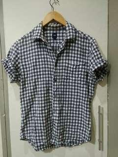 Gap polo fits S to M