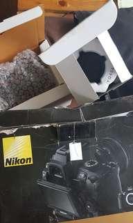 Nikon D5000 + Kit Lens + Battery Pack