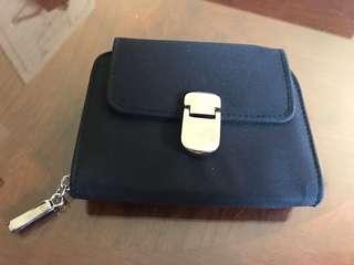 New black wallet