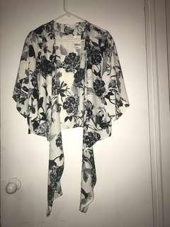 M for Mendocino Floral Tie-Up Shirt size small