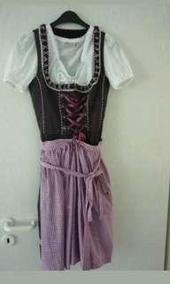 Authentic Oktoberfest dirndl 34