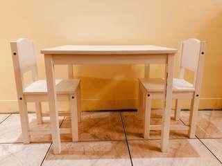 Ikea 木製兒童方桌椅