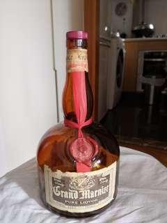 六十年代柑曼怡一公升橙酒吉樽一個酒蓋已斷開看圖片