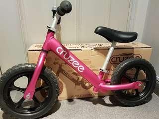 Preloved Cruzee Balance Bike