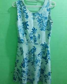 PL Blue&White Floral Dress with ribbon at the back