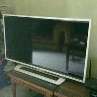 TV Sharp Aquos 40 Inch Anti Petir (DI ANTAR GRATIS)