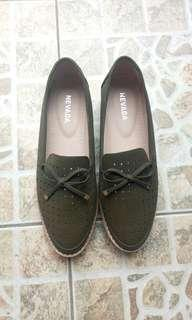 Sepatu Nevada Slip On Preloved