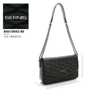 🚚 BERNIS|手工繡線小羊皮 掀蓋式小香包 #貝爾尼斯 #BNA18042BK
