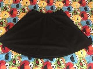 Skirts Hitam