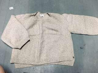 Cropped sweater from Korea