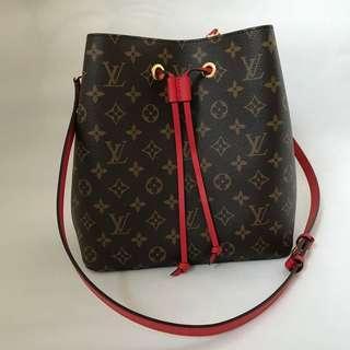 Louis Vuitton Néonoé Bag