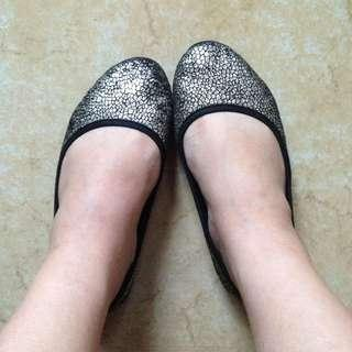 Gold Flat Shoes Size 6