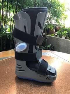 APOLLO WALKER Right Foot Size M