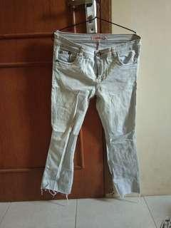 Celana jeans/levis/ripped jeans