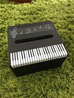Piano shape tissue box