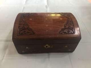 舊木製首飾盒