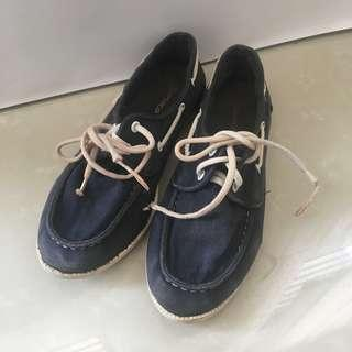 TOPSHOP navy jeans sneakers