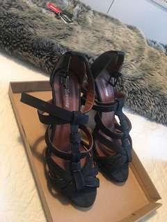 Black stroppy heels size 8