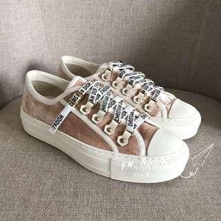 Dior裸粉色滿版logo鞋帶帆布鞋