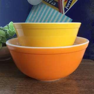OFFER : RARE Vintage Pyrex Mixing Bowls