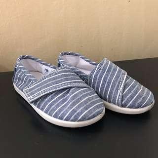 Sepatu Sneakers Mothercare