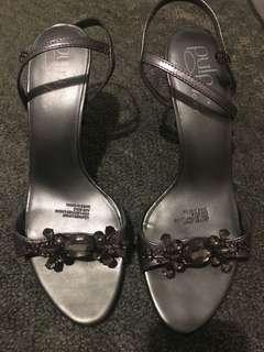 Grey Hannah's heels size 8
