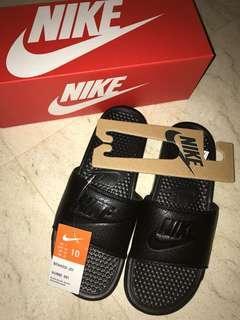 BNIB Nike Benassi Slides Full Black