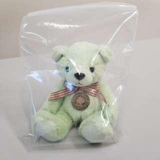 綠色小熊一隻