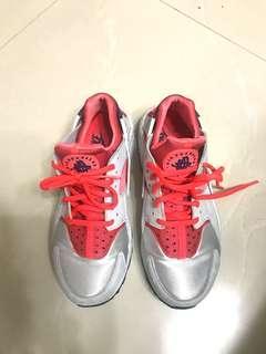 Nike Air Huarache 銀灰紅