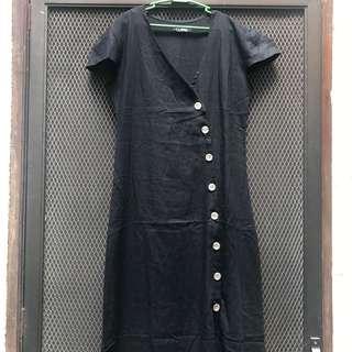 Black side button linen dress