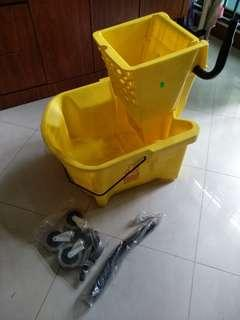 25 liters wringer with mop bucket