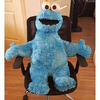 As new: One giant Cookie Monster, genuine from Sesame Street, 1 meter by 80cm stuffed animal