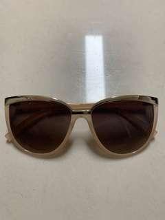 Cat Eye Sunglasses - Nude & Black