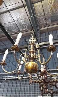 Lampu tembaga antik