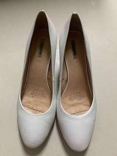 White Heels by Mascotte Size 9
