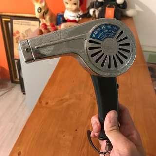 🚚 「早期吹風機功能正常」 早期 古董 復古 懷舊 稀少 有緣 大同寶寶 黑松 沙士 鐵件 40年 50年