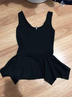 Boohoo sleeveless black peplum top