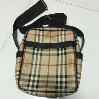 Authentic: Burberry Sling Bag