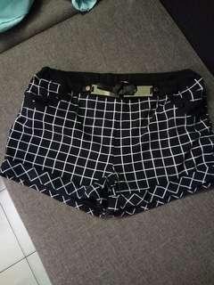 Black and white short pant