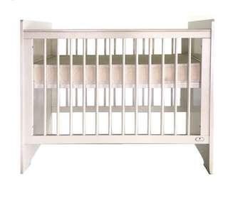 Cuddlebug Crib Slightly Used