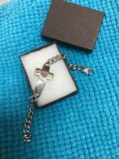 十字架手鍊 Bracelet (100% New~ with box) (Pls see the pic x 10) 原價$299