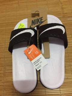 Nike solarsoft拖鞋