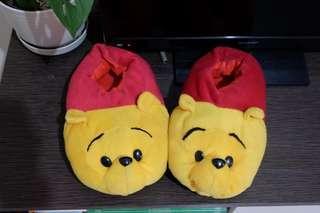 Sandal boneka Winnie the Pooh