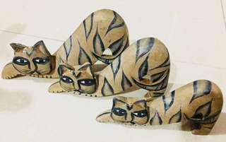 Wooden decorative Cats x 3 !