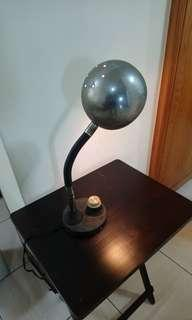 🚚 早期星球型老檯燈